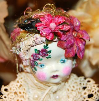 Altered Doll 017