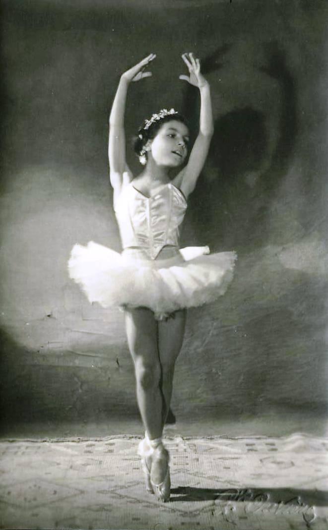 Little-Ballerina-girl-vintage-postcard